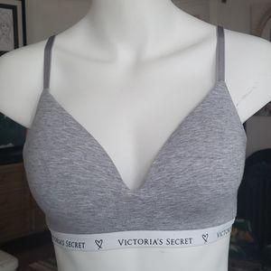 VICTORIA'S SECRET T-Shirt Bra